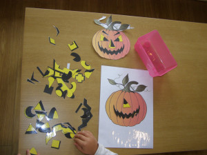 micasa_montessori_pre-school_halloween_art_04