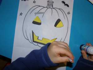 micasa_montessori_pre-school_halloween_art_07