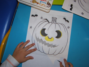 micasa_montessori_pre-school_halloween_art_08