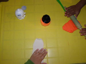 micasa_montessori_pre-school_halloween_art_09