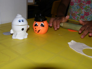 micasa_montessori_pre-school_halloween_art_11