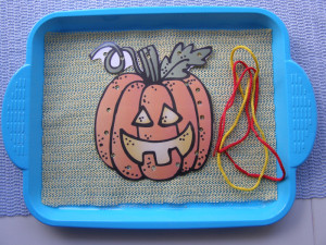 micasa_montessori_pre-school_halloween_practical_life13