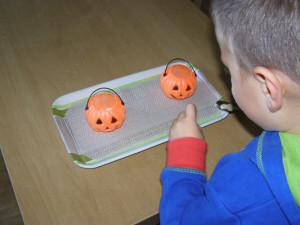 micasa_montessori_pre-school_halloween_practical_life3