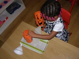 micasa_montessori_pre-school_halloween_practical_life5