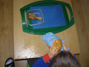 micasa_montessori_pre-school_halloween_practical_life9