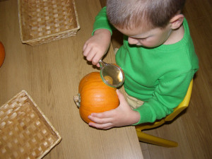 micasa_montessori_pre-school_halloween_science10